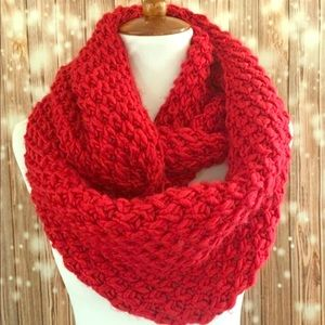 🆕 Old Navy Woman Scarf 🧣 long Red, One Size.